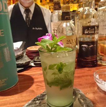 オシャレなフルーツカクテルと深いウイスキーのお店@新居浜駅前