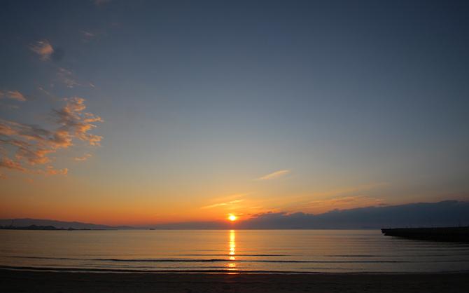 垣生(はぶ)海岸から見る夕日